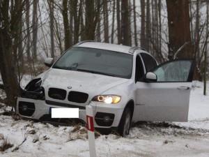 skup aut uszkodzonych police